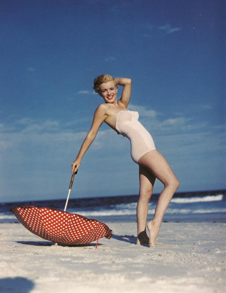 Beautiful Photographs of Marilyn Monroe by Andre de Dienes, 1949 (4)